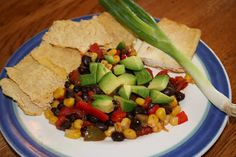 Ultimate Daniel Fast: Black bean stir fry with marinated tofu and tortilla chips Whole Food Recipes, Diet Recipes, Vegan Recipes, Cooking Recipes, Recipies, Cleanse Recipes, Snacks Recipes, Diet Snacks, Vegan Foods