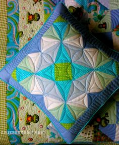 Patchwork Cushion Ideas - New Craft Works Crochet Stars, Free Crochet, Diy Projects To Try, Craft Projects, Patchwork Cushion, Pillow Inspiration, Cushions, Pillows, Arm Knitting