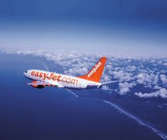08 per parlare con il call center di Easy Jet UK Nice, Nice Ville, Easy Jet, Hand Luggage, Airline Tickets, Cheap Flights, Pilot, Aircraft, Italia