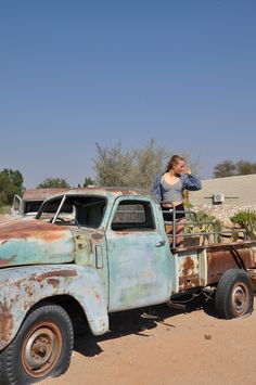 outfit fashion ootd vintage car cars chevrolet namibia africa afrika autofriedhof auto autos fotografie fotoshoot photography photoshoot blog blogging blogger german germany deutsch deutschland mind wanderer mind-wanderer