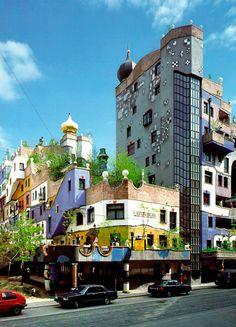 Hundertwasserhaus, bloco de apartamentos em Viena.