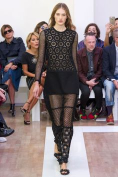 Emanuel Ungaro Spring 2016. See all the best runway looks from Paris Fashion Week here: