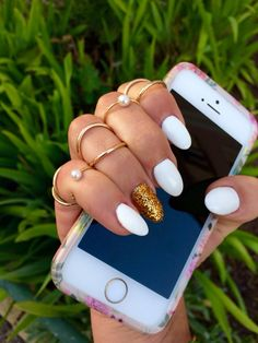 Almond Nails // Unghie a Mandorla Federica Morlotti @MisaNailsSalon
