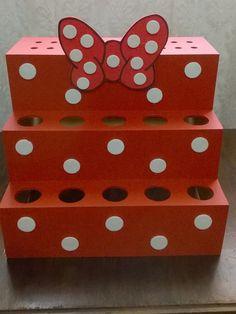 Porta Tubetes / Piruliteiro - Minie Mickey Mouse Png, Fiesta Mickey Mouse, Minnie Mouse 1st Birthday, Minnie Mouse Party, Mouse Parties, Baby Birthday, Candy Stand, Mini Mouse, Disney Crafts