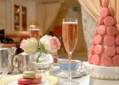 Chicory Nits: Table for two at Laduree New York