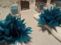 25 Peacock papier Dahlias. Décor, porte-serviettes, douches de bébé, dîners de fête, anniversaire de mariage. Pom pom de papier de soie.