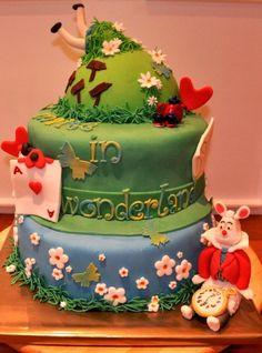 Maité in Wonderland Cake