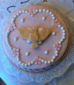 Per la Cresima....pasta di zucchero per la tortae cioccolato plastico per la colomba