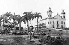 Vista da então Praça da Imperatriz no período do aterramento da sua área. Manaus. Acervo: CCPA.