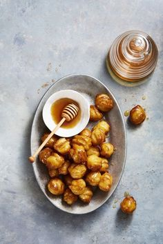 Feast on these Hanukkah honey balls for dessert during all eight nights of the holiday. Feliz Hanukkah, Hanukkah Food, Hannukah, Hanukkah Recipes, Hanukkah 2019, Honey Balls Recipe, Lunch Recipes, Dessert Recipes, Dinner Recipes