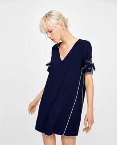 изображение 2 из ПЛАТЬЕ С КОНТРАСТНОЙ ОКАНТОВКОЙ от Zara