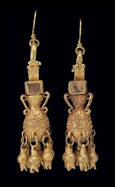 Pair of Parthian Gold and Glass Earrings | ca. 2nd (?) century AD
