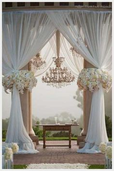 wedding ideas for summer on a budget           OMG!!!!!!  LOVE IT!!!!  I wanna have a wedding without the husband!