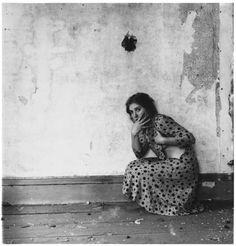 Le Foam inaugure pour ses dernières expositions de l'année2015 uneexposition rétrospective de l'artiste américaineFrancesca Woodman (1958–1981).
