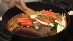 Laci bácsi konyhája Fejtett csülkös bableves www. Beef, Make It Yourself, Recipes, Youtube, Food, Meat, Essen, Meals, Eten