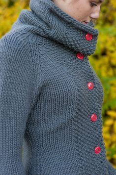 LOVE! I'd use yellow or green buttons. Katrine by Quince & Co. - love the collar..