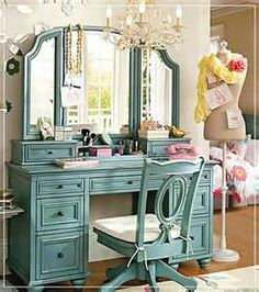 The vintage vanity table can be your way to make your room beautiful. Vanity table has many functions as your … Green Dressing Tables, Dressing Table Mirror, Dressing Rooms, Dressing Area, Girls Bedroom Furniture, Bedroom Decor, Bedroom Ideas, Bedroom Inspiration, Bedroom Night