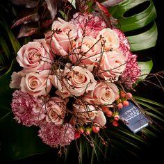 Certi boeket Munchen, roze rozen, dianthus, bloemen, vaas, Certi #Bloemen, #Planten, #webshop, #online bestellen, #rozen, #kamerplanten, #tuinplanten, #bloeiende planten, #snijbloemen, #boeketten, #verzorgingsproducten, #orchideeën