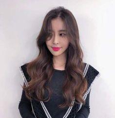 58 Ideas hair cuts korean curls for 2019 Korean Curls, Korean Wavy Hair, Korean Perm, Wavey Hair, Long Curly Hair, Curls Hair, Permed Hairstyles, Trendy Hairstyles, Japanese Hairstyles
