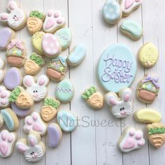 I can't stop staring at these super cute mini cookies. is amazing! And her minis are always on point! Thank you for sharing with us! Mini Cookies, Iced Cookies, Cute Cookies, Easter Cookies, Easter Treats, Cupcake Cookies, Sugar Cookies, Cupcakes, Easter Desserts