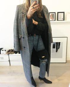 """좋아요 620개, 댓글 11개 - Instagram의 S A R A(@seenbysaar)님: """"Rippes jeans and that coat ✖️ #ootd #fwis #fromwhereistand #hmtrend #checkcoat #citizensofhumanity…"""""""