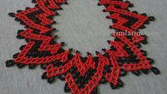 Ben kırmızıve siyah kum boncuklarından yaptım amas iz kendinizce uygun gördüğünüz renklerde yapabilirsiniz, Takı yapanlar için yapılışı kolay ve zevklidir.