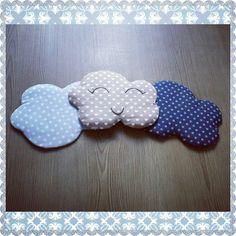 Voilà mes petites nouveautées!  Des nuages moelleux à accrocher au mur!  Existent dans distantes coloris! Et dans différentes formes (étoile, coeur, lune....) #nuage #clouds #decofeemain #decomurale #decochambrebebe #deco #nuagesmoelleux #mignonnerie #socute #instakids #kidsroom