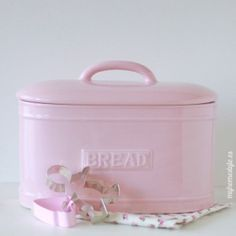 Recipiente para pan rosa