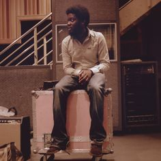 Michael Kiwanuka - Home Again. Saw him on Jimmy Fallon and have been listening to his albums for days. Very relaxing. Music Is Life, New Music, Glastonbury 2013, New Soul, Soul Singers, Soccer News, Home Again, Google Play Music, Jack Johnson