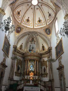 Interior de Iglesia de San Francisco Morelia Michoacán MÉXICO