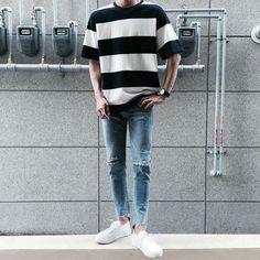 Oversized tee wish you were queer în 2019 korean fashion men, fashion Korean Fashion Summer, Korean Fashion Trends, Korea Fashion, Boy Fashion, Mens Fashion, Korean Male Fashion, Fashion 2018, Fashion Shirts, Korean Men