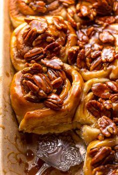 Butter Pecan Cinnamon Buns - Baker by Nature Best Dessert Recipes, Breakfast Recipes, Pecan Recipes, No Bake Desserts, Fall Recipes, Breakfast Pastries, Sweet Breakfast, Pecan Sticky Buns, Brunch