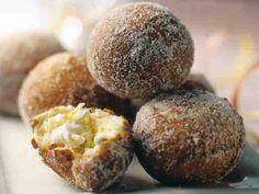 Sitruunaiset rahkamunkit Donuts, Croissants, Beignets, Something Sweet, Baked Potato, Baked Goods, Sweet Tooth, Deserts, Muffin