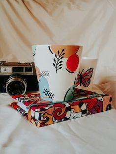Painted Plant Pots, Painted Flower Pots, Rock Crafts, Clay Crafts, Pots D'argile, Terracotta Flower Pots, Hand Painted Mugs, Sharpie Crafts, Ceramic Pots