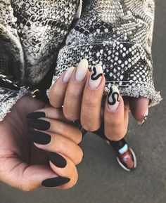 Try some of these designs and give your nails a quick makeover, gallery of unique nail art designs for any season. The best images and creative ideas for your nails. Edgy Nails, Aycrlic Nails, Grunge Nails, Nail Manicure, Manicures, Nail Polish, Black Manicure, Elegant Nails, Coffin Nails