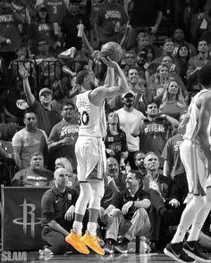 Curry Basketball, Sports Basketball, Basketball Shooting, Steph Curry Wallpapers, Black Pics, Lebron James Wallpapers, Nba Stephen Curry, Kobe Bryant Nba, Basketball Photography