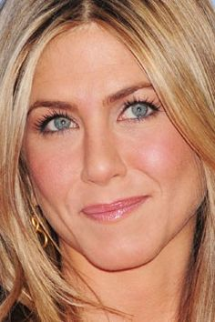 celebrity eyes | Jennifer Aniston's blue eyes pop with brown eye shadow. Photo: John P ...