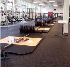 Baltimore Ravens Everlast Sports Surfacing with Nike Grind ECORE Commercial Flooring recycled rubber Best Flooring, Vinyl Plank Flooring, Rubber Flooring, Rubber Tiles, Office Floor, Floor Workouts, Gym Design, Commercial Flooring, Recycled Rubber