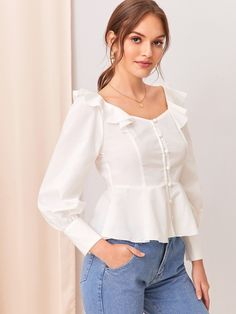 Blouse Styles, Blouse Designs, Crop Top Outfits, Casual Outfits, Girls Fashion Clothes, Fashion Dresses, Girl Fashion, Creation Couture, Trendy Tops