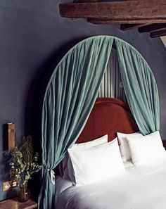 It's all about the details at Hotel des Grands Boulevards, a newly opened boutique hotel tucked in a quiet alley in Paris' Arrondissement. Designed by Dorothée Meilichzon, the 50 room hotel combines the building's Bedroom Ideas For Teen Girls, Teen Girl Bedrooms, Hotel Panache, Best Paris Hotels, Henrietta Hotel, Decoration Chic, Wabi Sabi, Home Decor Bedroom, Master Bedroom