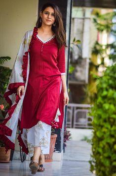Maroon Straight Kurta and Printed Palazzo Set of 3 Silk Kurti Designs, Kurta Designs Women, Kurti Designs Party Wear, Indian Fashion Dresses, Dress Indian Style, Indian Designer Outfits, Indian Dresses For Women, Indian Designers, Indian Girls