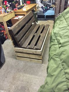 Pallet bench second attempt