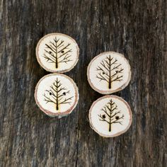 Wooden Button  Set of 4 Wood Burned Tree Branch by thesittingtree, $8.50                would like to recreate this pattern on branch cuttings as ornaments