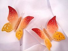 How to Make Gum Paste Lace Butterflies with icing tips! I don't think I would have thought of this...so cool!