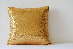 Shiny 24 Ct Gold Pillow Cover , Metallic Gold Cushion Cover, Holiday Decor , Sequin Throw Pillow , G Gold Decorative Pillows, Decorative Pillow Covers, Sequin Pillow, Gold Cushions, Diy Pillows, Throw Pillow Cases, Holiday Decor, Sparkle, Metallic Gold