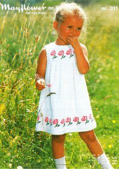 Girls Knitted Dress, Crochet Dress Girl, Knit Baby Dress, Summer Knitting, Knitting For Kids, Crochet For Kids, Baby Knitting, Diy Crafts Dress, Diy Dress