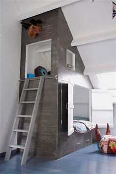 Great built-in bunk bed with nook in vaulted children's room