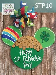 Hand Painted Disney Mickey Mouse Pot Of Gold Happy St. Mickey Decorations, Disney Christmas Decorations, Disney Home Decor, Disney Diy, Disney Crafts, Holiday Crafts, Holiday Fun, Mickey Craft, Wood Crafts