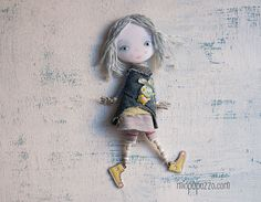 Hey, I found this really awesome Etsy listing at https://www.etsy.com/pt/listing/263416922/little-girl-and-bunny-art-doll-brooch
