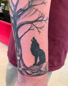 Top 71 Best Howling Wolf Tattoo Ideas - [2021 Inspiration Guide] Wolf And Moon Tattoo, Howling Wolf Tattoo, Wolf Moon, Wolf Howling, Side Tattoos, Cover Up Tattoos, Wolf Tattoos, Nature Tattoos, Animal Tattoos For Men